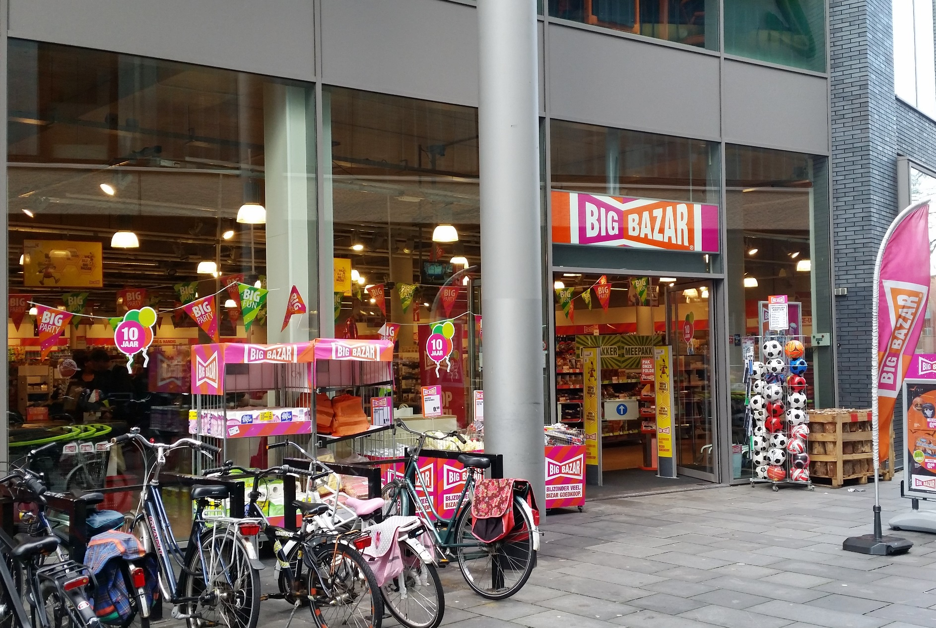 5x duurzaam winkelen bij big bazar awkward duckling for Kartonnen koffiebekers hema