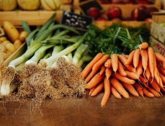 10 tips om groenteafval te gebruiken in de keuken (en voedselverspilling te voorkomen)