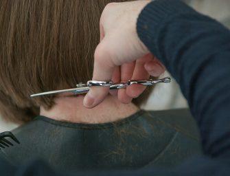 Beheers jij deze onmisbare life skill al: haren knippen
