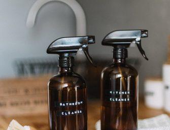 5 DIY schoonmaakmiddelen voor de badkamer